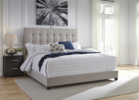 Кровать  King Upholstered Bed  (спальное место 1,95*2.05m)