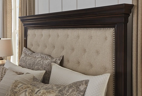 Кровать Queen UPH Panel Bed  (Спальное место 1,55*2,05м)